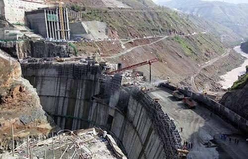 大坝浇筑全景
